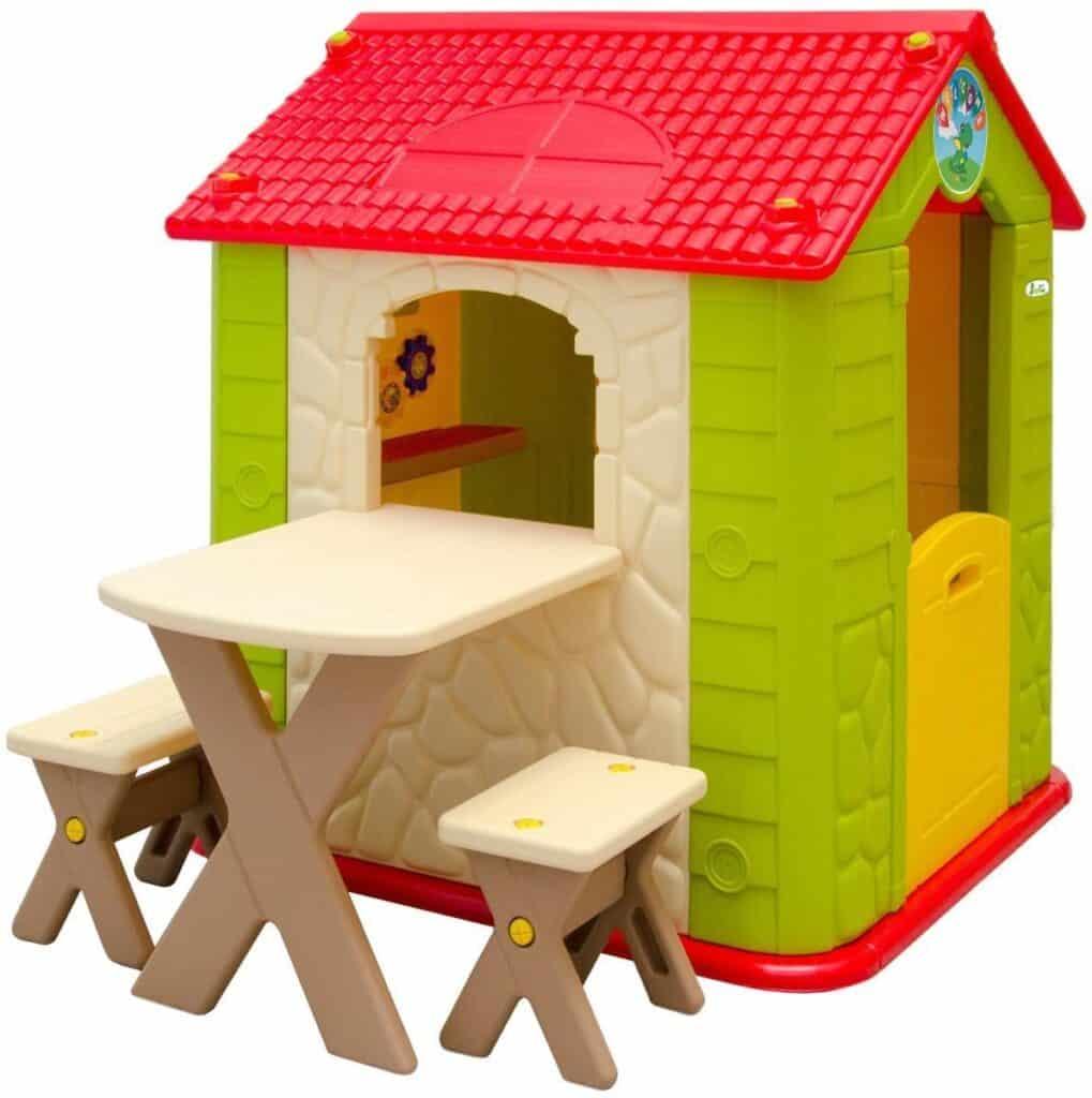 Garten Kinderhaus mit Tisch